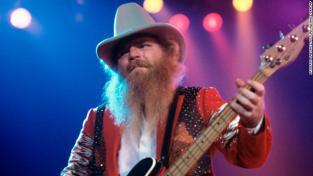 Топ -басист ZZ Дасті Хілл помер у 72 роки