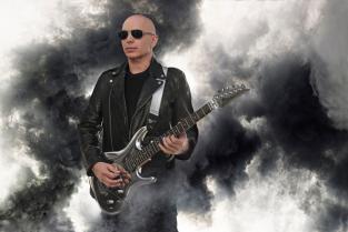 12 січня Joe Satriani(Джо Сатріані) презентував свій новий альбом What Happens Next (Що має статися далі) .
