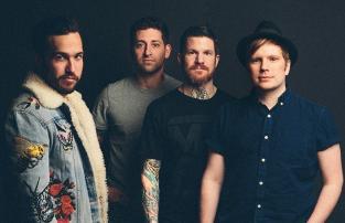 Найсвіжіший альбом (реліз 19 січня ц.р.) американської команди Fall Out Boy - MANIA.